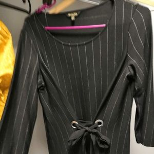 PINSTRIPE DRESS WITH TIED DETAIL   XS